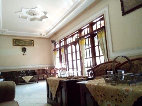 Indoor (click to enlarge)