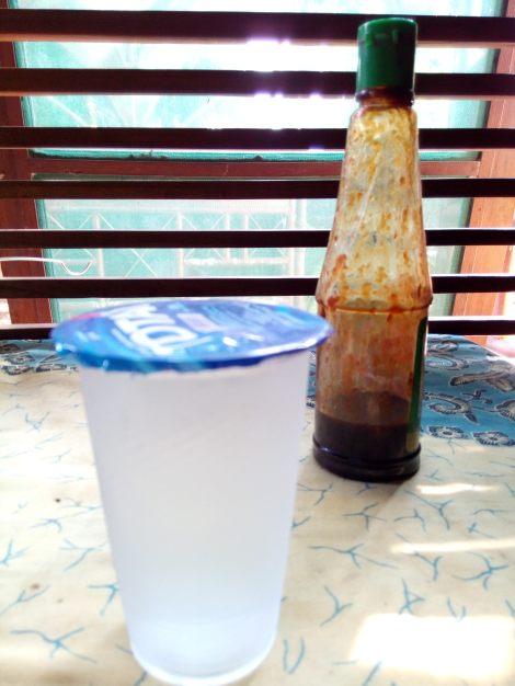 Bokeh fokus botol kecap (click to enlarge)
